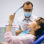 Fournisseur dentiste : Pourquoi l'achat en ligne progresse ?